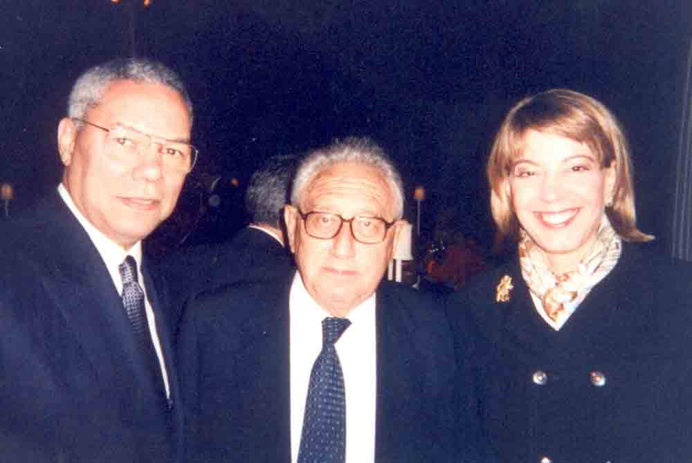 Kissinger-and-Powell-with-Mizrahi-at-Barak-State-Dinner